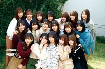 アルバム発売日に『3年目のデビュー』鑑賞料が500円に! 日向坂46 - (C) 2020映画「3年目のデビュー」製作委員会