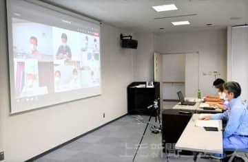 烏川、神流川の治水についてオンラインで話し合う参加者