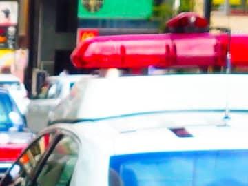 大型バスが横断歩道で歩行者はねる 30歳男性死亡 習志野