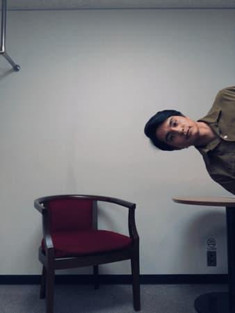 中村蒼、ムム!?撮影方法が気になる面白ショットに反響!