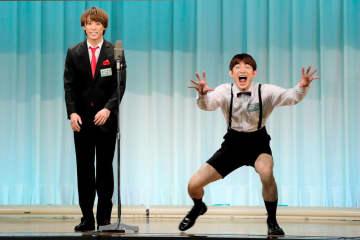 ジャニーズ「ふぉ~ゆ~」越岡&松崎「おつゆ」 M-1初戦突破、出場144組中2位