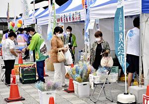 「ふくしまフェスタ」開幕!湯川・道の駅 ご当地グルメが並ぶ