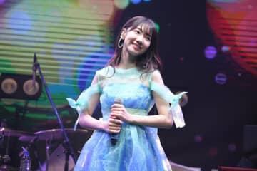 柏⽊由紀[ライブレポート]AKB48の作品を含む全30曲を披露!「いつものライブみたいに楽しんでもらいたい」初ディナーショー開催も発表