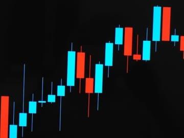 コロナ禍の株高の背景。迅速な緩和措置など金融システムへの信頼、一方でバブルの危険性も