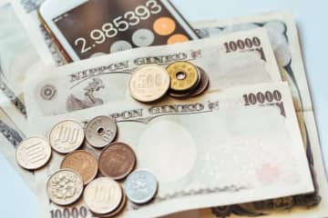 コロナ、介護、病気…収入が増えない場合の家計の守り方
