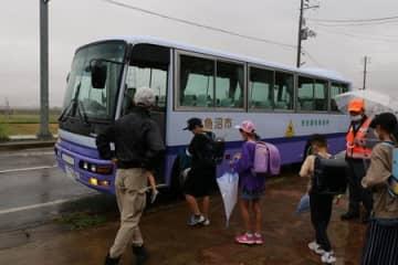 子どものバス登下校開始・南魚沼 クマ目撃相次ぎ前倒し