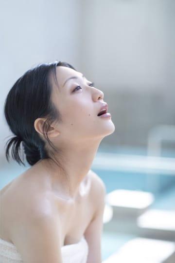 壇蜜、女性ゲストとともにサウナを堪能! 出演『サウナを愛でたい』DVD発売
