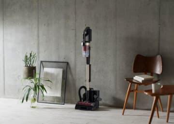 アイリスオーヤマ、マスクと同素材の排気フィルター採用のスティック掃除機