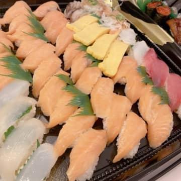 辻希美、杉浦太陽の退院をお寿司で祝福に批判殺到「空気を読んで!」