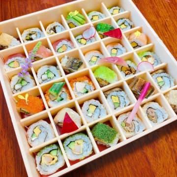 インスタ映え必至!創作和食店「SHARI」のロール寿司弁当で、秋の行楽シーズンを華やかに!