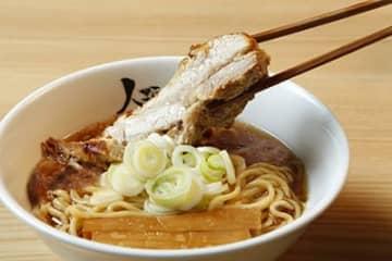 大阪で行列のできるラーメン店が東京・赤坂に 極厚チャーシューの担担麺