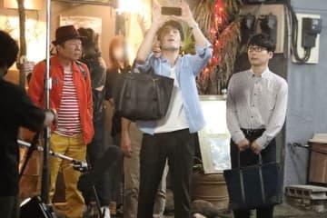 藤井隆がカンチョーに絶叫!星野源『逃げ恥』現場の男子ノリ