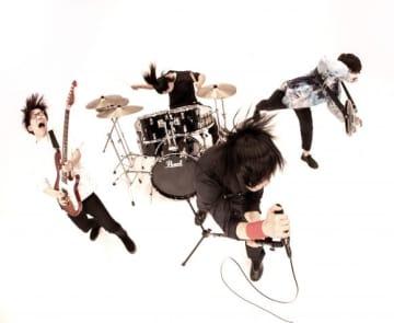 """歌ってみた動画の再生回数が累計2,000万回超えの""""メガテラ・ゼロ""""がボーカルを務めるロックバンドMr.FanTastiC、ライヴの定番曲「Envy & Clap」を含む3曲が収録されたシングル「&」が12/16リリース決定!"""