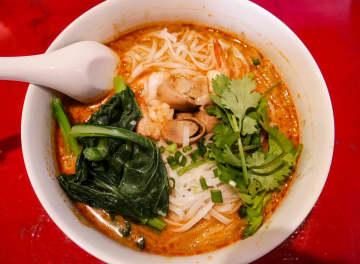 【浦和タイ料理】デシュットでランチ 大きめの座敷席あり【食べログ3.5以上の店】