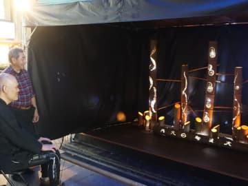 商店街を数珠つなぎに照らしていく「竹あかり」(京都市中京区・新京極商店街)