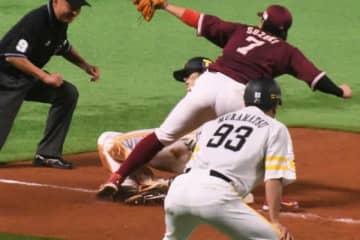 5回までに2安打3盗塁を記録しているソフトバンク・周東佑京【写真:藤浦一都】