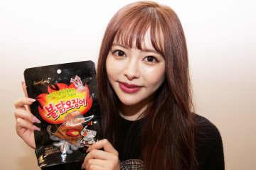 激辛ガチ勢の美女、ドンキの韓国スルメに挑戦 ひと口食べて驚愕したワケは…