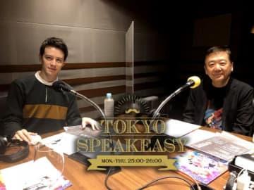 (左から)ウエンツ瑛士さん、鴻上尚史さん