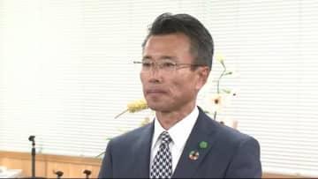初当選の佐藤健氏「日本一住みたい街に」 飯田市長選 現職を大差で破る