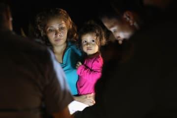 トランプに引き離された親子の悲劇。545人の子の親が行方不明に