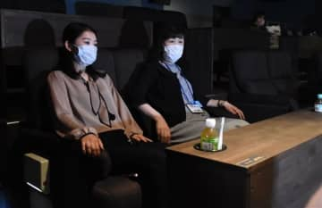 「光石研シート」小倉昭和館に登場 コロナ対応、ペアでゆったり