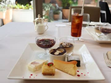 デザートワゴン選び放題!国際ホテルのフレンチレストラン『ロジェドール』でランチ