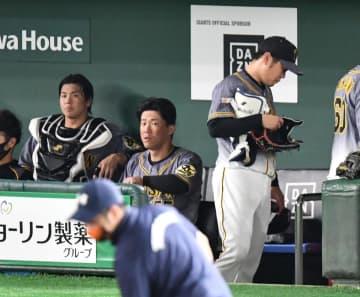 阪神・西勇、5回降板 自責点2も失点5 マルテ4失策含む5失策