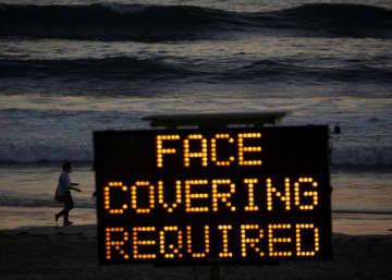 米、2月までにコロナで50万人死亡も マスク着用を=大学調査