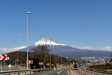 日本でドライブするには?国際運転免許証や必要な手続きまとめ 画像