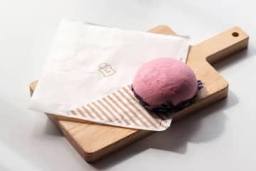 """「ローソン」160円で手に入る幸福!  """"紫色の中華まん""""がリピート必至の美味しさ"""
