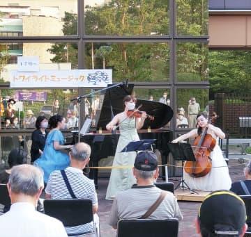 10月28日(水) 麻生区役所ロビーでミニコンサート「トワイライトミュージック」