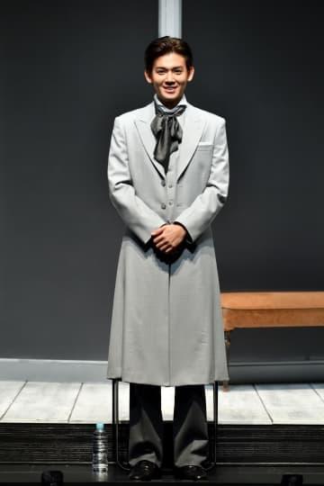 ジャニーズWEST小瀧 特殊メイクなしで難役「エレファント・マン」主演舞台