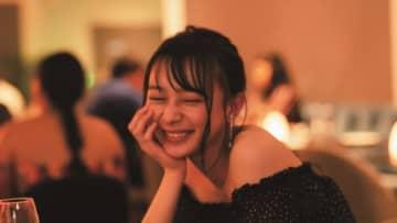"""乃木坂46・鈴木絢音、話題の""""酔っぱらい""""カット公開 1st写真集"""