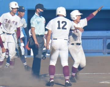 秋季関東高校野球 常総、5年ぶり決勝 健大高崎と決勝で激突