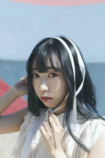 「ラブライブ!」Aqours声優・小林愛香、2021年カレンダー発売! 「いつもより、ちょっと大人っぽい表情も」