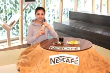 """""""こたつカフェ""""のアイスコーヒーとスイーツでほっこりひと休み"""