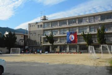 CFでエアコンが各学年の教室に完備された京都朝鮮第二初級学校(京都市右京区)