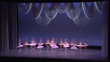 富山シティバレエ団 受講生が1年間の上達ぶりを披露