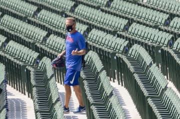 Paul Sullivan: Jed Hoyer has an unenviable task to fill Theo Epstein's shoes without Cubs' usual resources