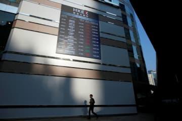 中国政府、株式相互取引の拡大を支持=香港行政長官