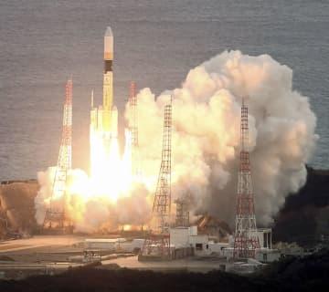 H2Aロケットの打ち上げ成功 偵察のデータ中継衛星など搭載 画像