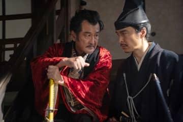 信長に戦慄…「麒麟がくる」長谷川博己&吉田鋼太郎、至近距離の熱演に視聴者大興奮