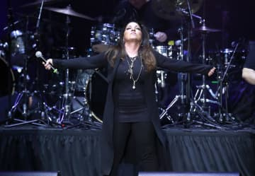 Gloria Estefan tested positive for COVID. Now, she has a message for everyone