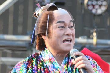 『ガキ使』で話題の松平健YouTubeに香取慎吾が出演 香取のエゴサ好きにマツケン困惑