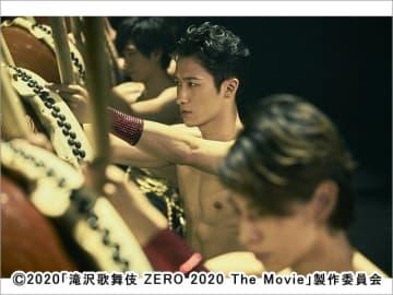 Snow Manが限界に挑む「滝沢歌舞伎 ZERO 2020 The Movie」舞台裏に密着