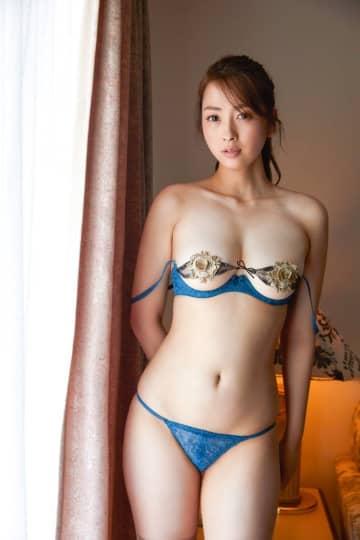 Gカップ殿倉恵未、ラストグラビアで渾身のセクシー