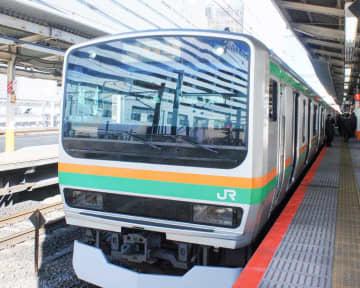 JR東海道線が一時運転見合わせ 架線にビニール