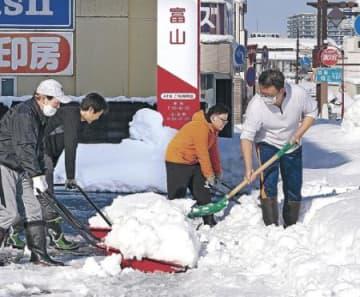 県民生活に影響深刻 雪の混乱で食品不足