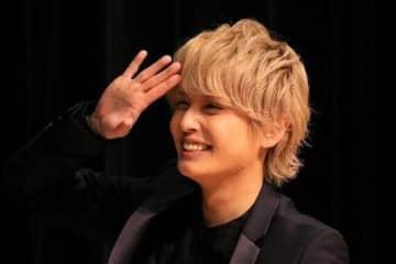 手越祐也の後輩が「イケメンすぎる」 YouTube共演に反響「なんでこんなに綺麗なの...?」