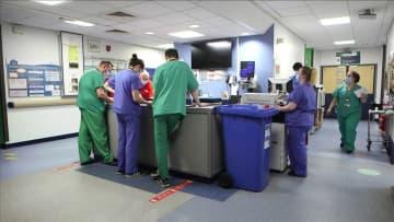 英感染追跡調査 ウイルス免疫5カ月は持続